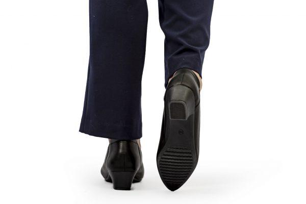 4cm pointy court heel