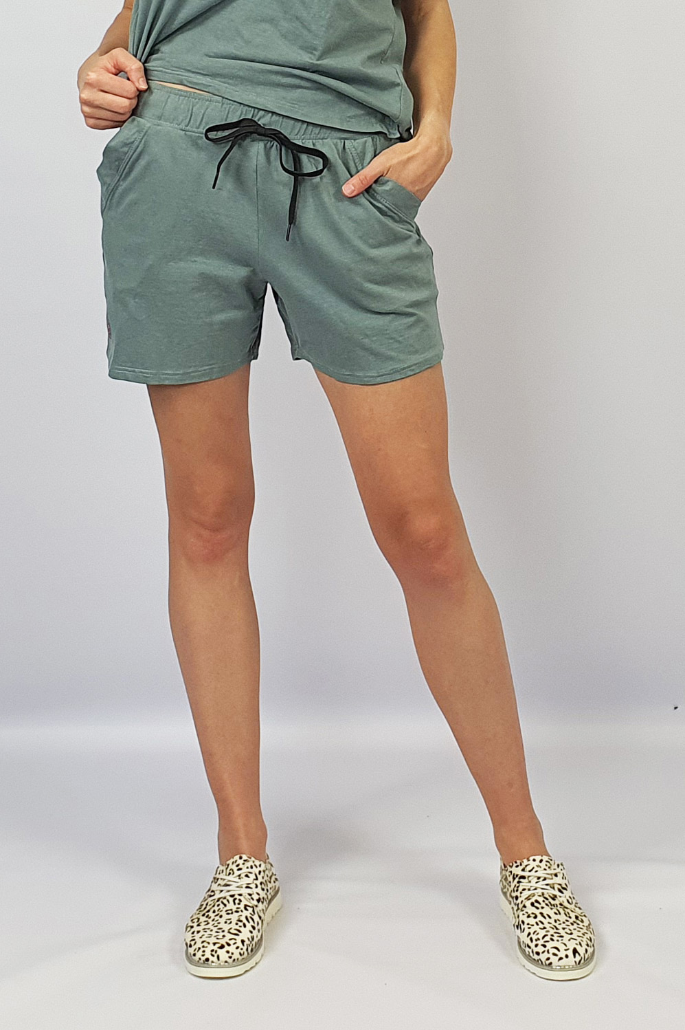 Track Shorts grey front
